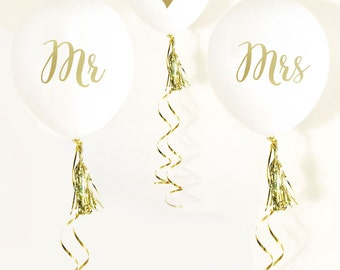 Mr. and Mrs. Balloons (set of 3) // Mr and Mrs Gold Balloons // Engagement Party // Engagment Party Decorations // White and Gold Wedding