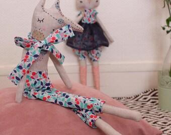Poupée, décoration chambre bébé, poupée de chiffon raffinée, Poupée en tissu, cadeau anniversaire, cadeau Noël, cadeau naissance, maison