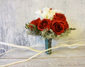 Indian wedding Red and white roses asian bridal bouquet dry gypsophila preserved leather leafs