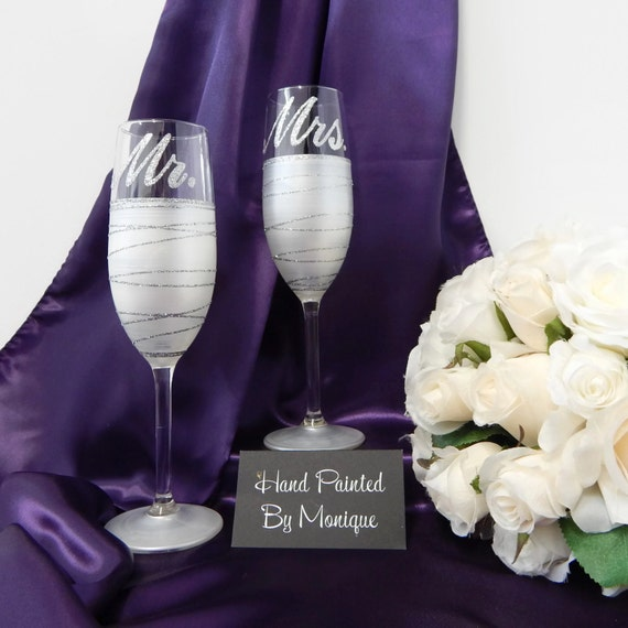 Wedding Glasses Mr and Mrs Champagne Toasting Flutes Personalised Gift ...