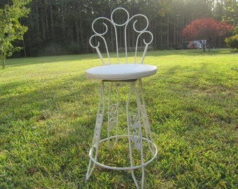 Vintage Wrought Iron Bar Stool, Retro Chair, Chippy Paint, metal chair, Tall Vanity Chair, Swivel Chair