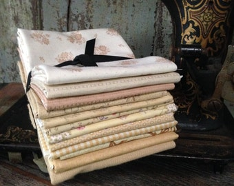 Fabric: FAT QUARTER Sampler Bundle Shades of Yellow Selection - Lecien/Moda Fabrics