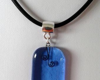 Blue glass pendant necklace.