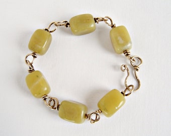 Boho Bracelet, Wire Wrapped Brass Bracelet, Chunky Bracelet, Green Stone, Handforged, Chunky Beads Bracelet, Hippie Bracelet, Green Beads