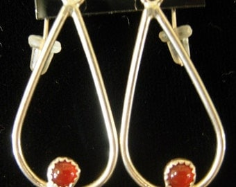 Teardrop-shaped 4mm carnelian dangle earrings