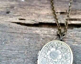 Sweet Antique Bronze Brass Gold Locket WildFlower Necklace