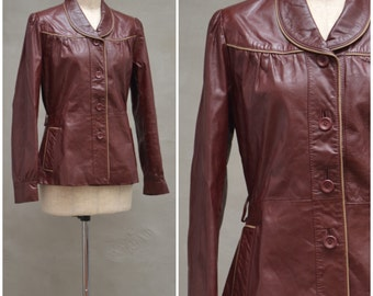 Vintage leather jacket, 1970s red / brown Spy Jacket, short fitted coat, Rock girlfriend / New wave, Button front, piped detail, Skinny fit