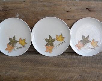 Texas Ware Autumn Leaf Plates / Set of 3 /  Melamine Dinnerware Plates / Vintage Texas Ware Plates