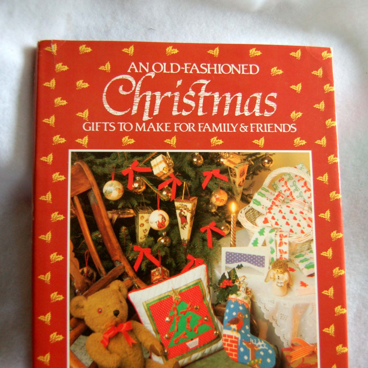 Craft book 1988 an old fashioned christmas gifts art crafts for Edible christmas gifts to make in advance