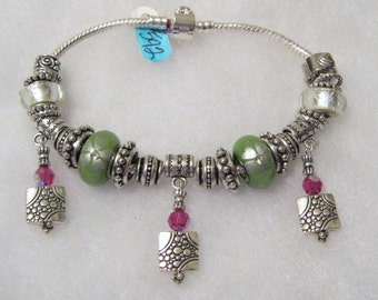 592 - CLEARANCE - Green and White Bracelet
