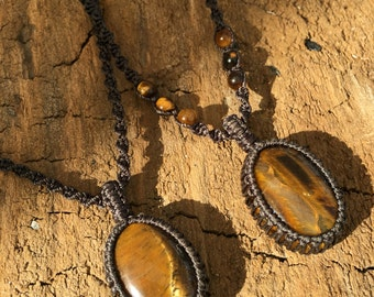 Tiger Eye Pendant / Macramé Necklace / Gemstone jewellery / Stone Pendant