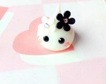 Black & White Flower Girl, White Hoppe Chan Figure, Kawaii Miniature, Cute Home Decor Tamagotchi, Kawaii Figurine, Kawaii Squishy Cute Gift
