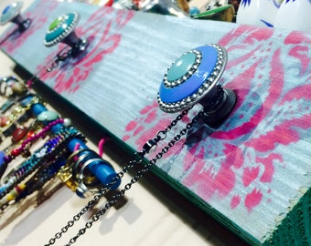 Recycled wood Necklace holder /jewelry hanger hanging organizer wall rack reclaimed wood decor stenciled damask 3 knobs 2 hooks bracelet bar