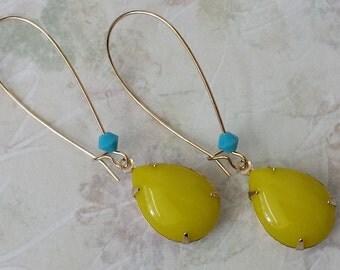 Chartreuse Rhinestone Earrings, Retro Earrings, Rhinestone Earrings, Yellow Teardrop Earrings, Yellow Rhinestone Earrings, Jewelry Gifts