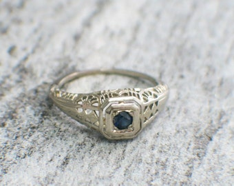 Vintage Filigree Sapphire Solitaire Ring