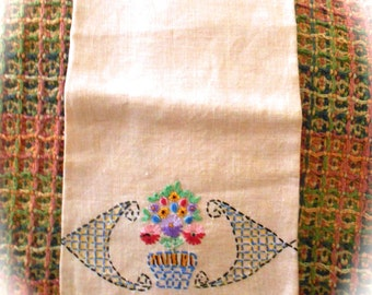 Vintage Embroidered Linen Guest Towel Tea Towel FREE DOMESTIC SHIPPING
