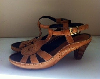 "Leather Pikolinos ""Mallorca Crema"" Women's Shoes - Size 36"