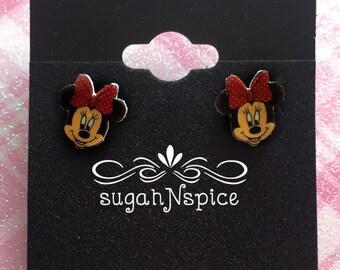 Minnie Mouse Earrings - Minnie Earrings - Mouse Earrings - Minnie Studs - Minnie Mouse Posts - Minnie Mouse Studs - Minnie Head Earrings