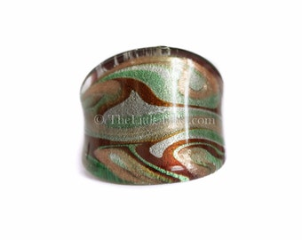 Glass Ring :  Individually blown glass ring with intricate design R18