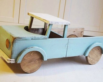 Wooden car photo prop