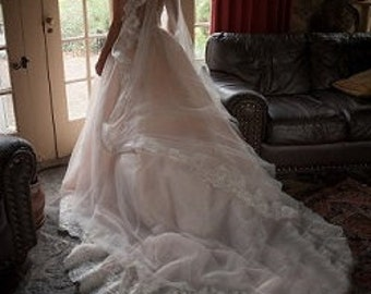 Gorgeous Mantilla Veil Cathedral Length / White or Ivory