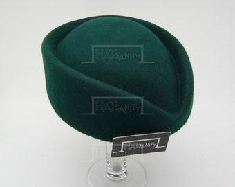 VINTAGE x ELEGANT Wool Felt Pillbox Hat - Green