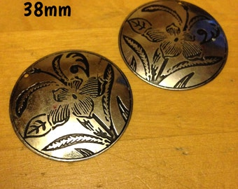 38mm silver plate with black flower etching plugs for stretched ears