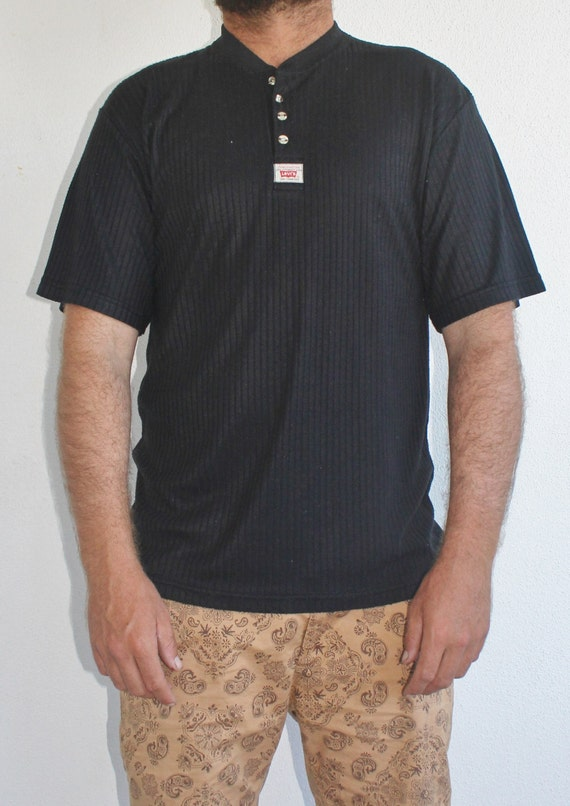 Vintage 90s mens levis black ribbed t shirt size by for Mens black levi shirt