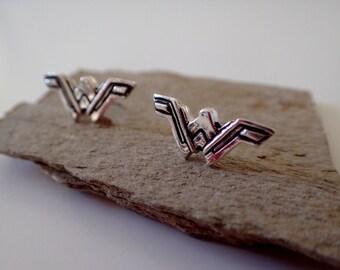 Wonder Woman Logo ( Inspired) Silver + earrings