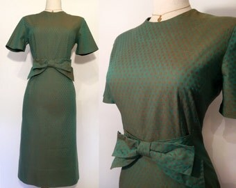 SALE Vintage 1950's Cotton Wiggle Hourglass Dress with bow / Pinup Party dress/ Rockabilly