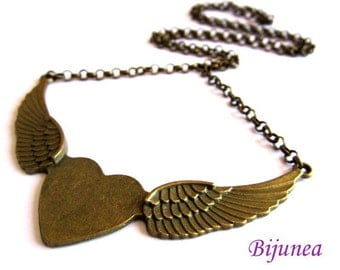 Free love necklace - Brass Heart necklace - Romantic Wings necklace - Metal Valentine necklace n590