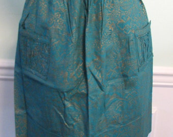 Vintage Apron Asian Theme Temple Mountain People Asian Style Textile Green and Gold