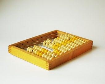 Vintage 6.5'' x 9.5'' (16.5 cm x 24 cm) abacus wood plastic buttons knobs home decor calculator kids toy children math device