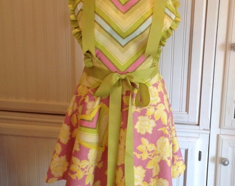 Women's Apron Sweetheart Reversible, women's full apron, chevron, green pink chevron, pink yellow flowered, yellow striped, reversible apron