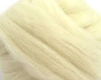 Natural Cheviot 4 ozs - Soft and Easy to Spin!