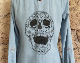 M HAND-DRAWN Skull Shirt with Colorful Tribal Fabric Detail Size Medium