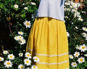 1950s Yellow Pleated Summer Skirt