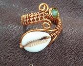 Green bead cowry Fingerwrap