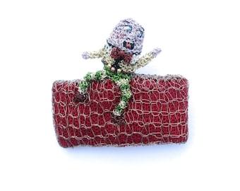 SALE Humpty Dumpty brooch - nursery rhyme jewelry, funny humorous amusing jewelry, whimsical art brooch, wire wearable art, under 50