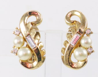 Vintage Crown Trifari Gold Tone Faux Pearl and Crystal Rhinestone Clip Earrings  (E-2-5)
