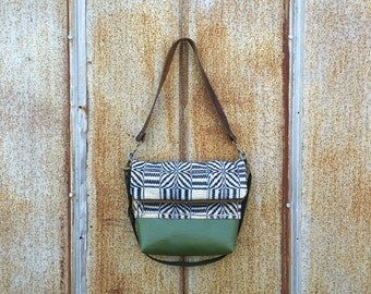 Vintage Appalachia Indigo Overshot Handbag