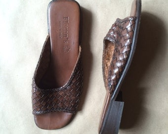 vintage 90's chunky square heel woven leather mules / leather sandals / flats / Made in Italy / womens shoes