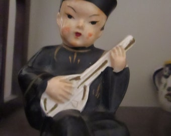 Vintage Ceramic Figurine Chinese Man Mandolin Player Salt Pepper Shaker Asian Chinese Decor YourFineHouse ShipsWorldwide Hand Painted
