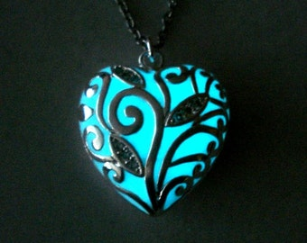 Glowing Heart Necklace Glow In The Dark Heart Jewelry Necklace Pendant (glows aqua blue)