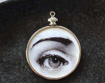 Lover's Eye Pendant / Mother of Pearl  Monocle Pendant / Hand Painted