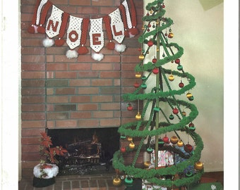 Christmas Macramé • 1970s Macrame Xmas Tree Snowman Santa Claus Bow Wreath Patterns • Candy Poinsettia Bell Pattern Book • 70s Vintage PDF