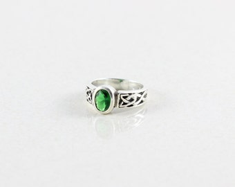 Sterling Silver Simulated Green Ring Band Size 4 3/4