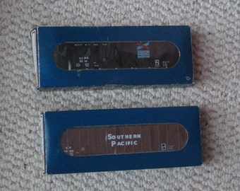 2 MIB E&C Shops HO TRAIN car Kits-Chattahoochee 62'Gondola and Southern Pacific 62' Woodchip Hopper