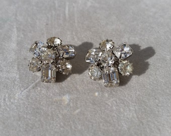 Vintage Signed Weiss Clear Rhinestone Clip On Earrings