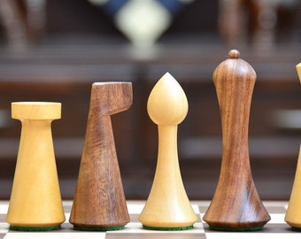 Reproduced Modern Mid Century Minimalist Hermann Ohme wooden weighted Chess Set. SKU: M0035